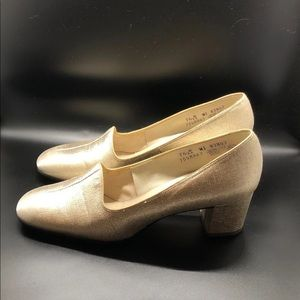 Connie Gold Loafer Heels Women's 7.5